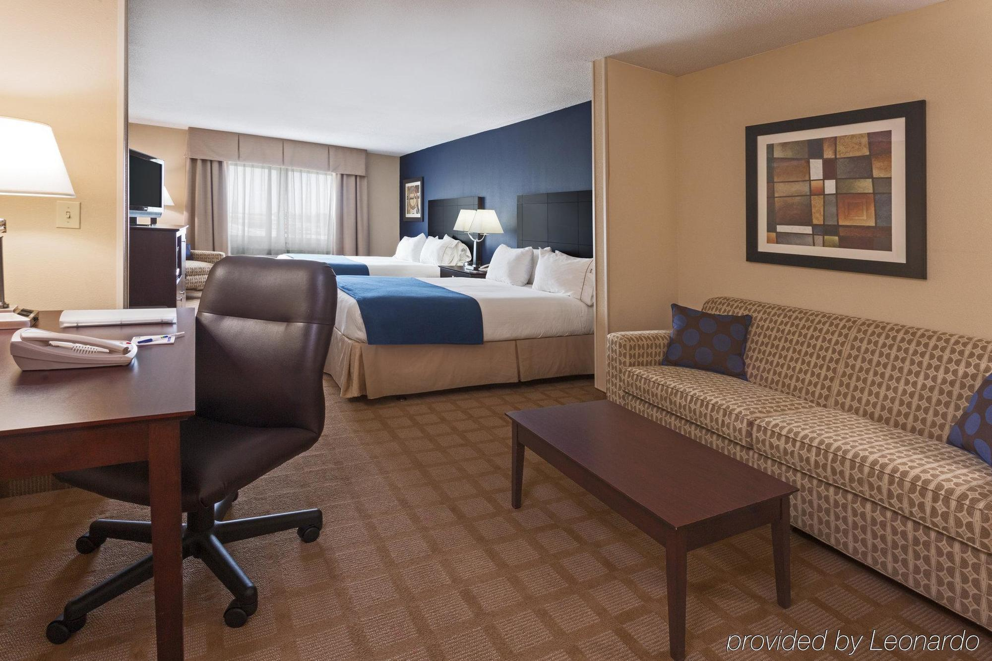 HOLIDAY INN EXPRESS HOTEL & SUITES FORT PIERCE WEST, FORT PIERCE ***